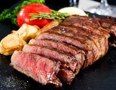 自然な赤身の美味しさを追究した「都萬牛」