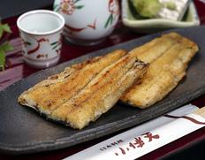 愛知県小伴天の鰻蒲焼き 大正9年創業 食の有名格付け誌にも掲載!人気料理はひつまぶし(ご注文受付は今月末まで)新米もご一緒に